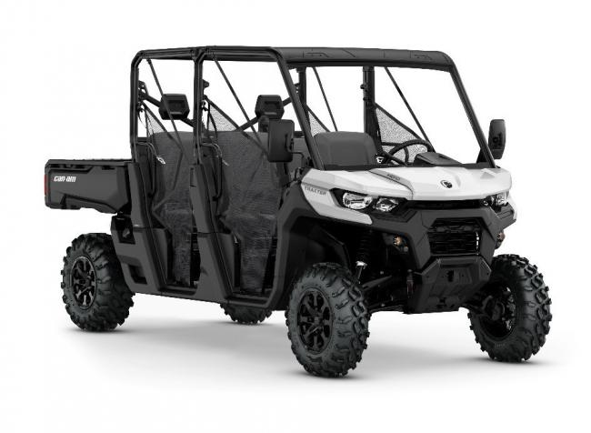 The latest in Can-Am's Traxter range has two rows of seting, plus a useful cargo bed