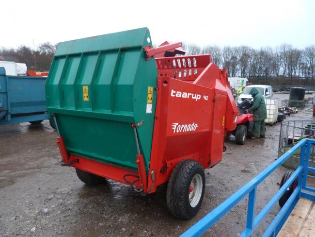 This Taarup bale shredder sold for £3400