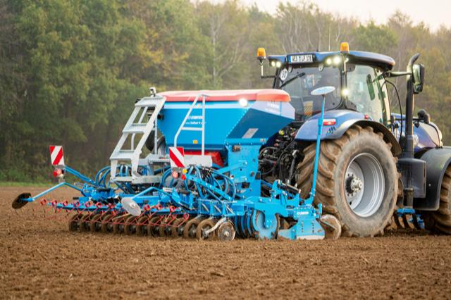 The Solitair 9 pneumatic seed drill has been updated with a new look this year