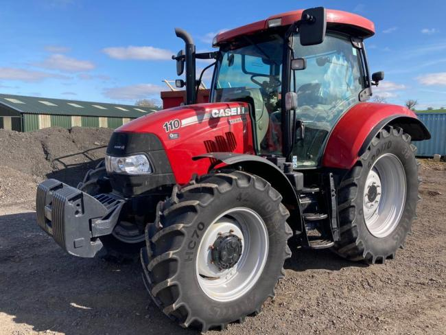 Case Maxxum tractor that sold for the top price of £38,000