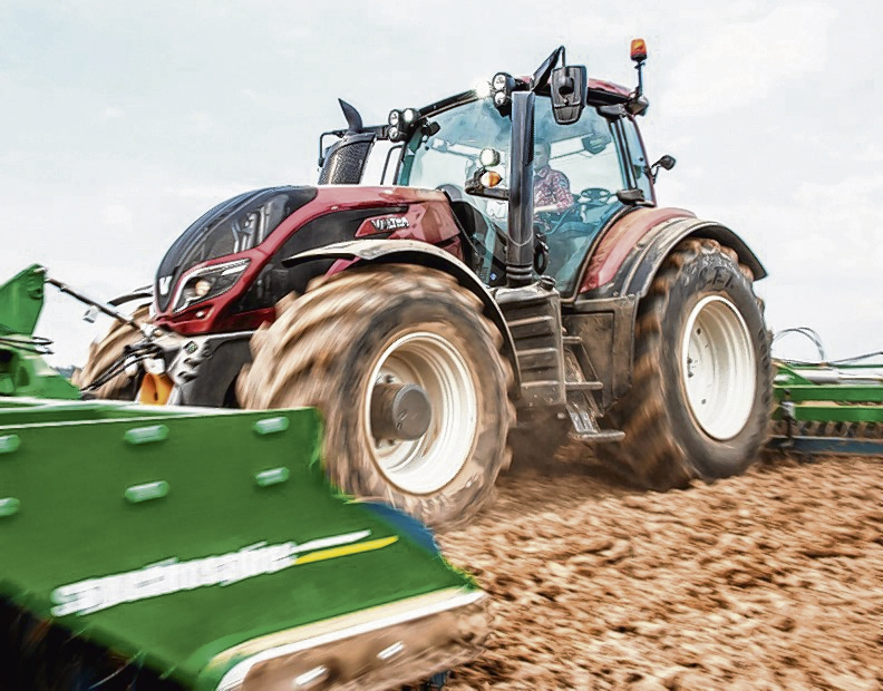 Valtra's T Series is now an award-winning tractor after scooping a major accolade at the Paris SHow