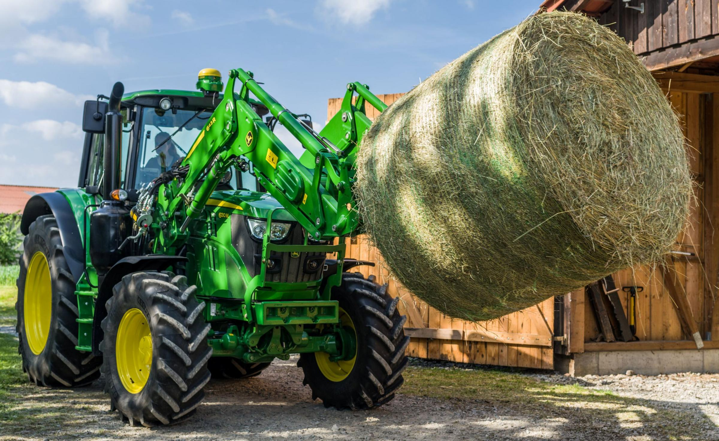 Bigger tractors but fewer sales