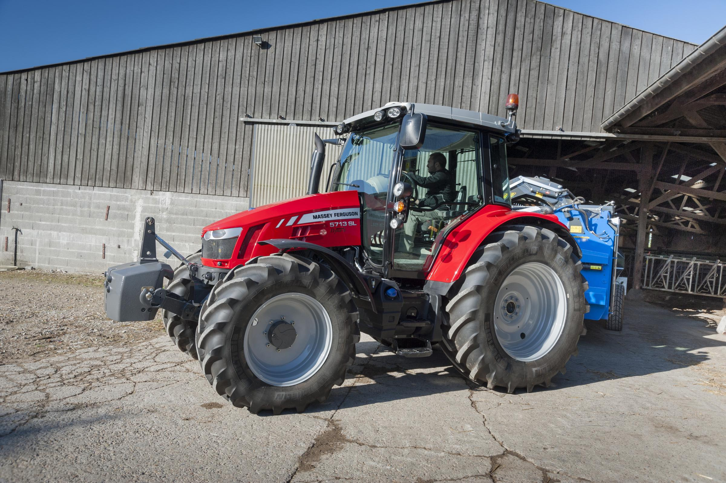 Efficient specification for McCormick X7 Pro Drive tractors includes mechanical spool valves and, on four-cylinder models, gear pump hydraulics with a load-sensing piston pump optional