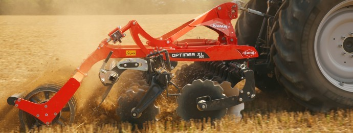 Kuhn's Optimer is designed for fast cultivation behind lower horsepower tractors