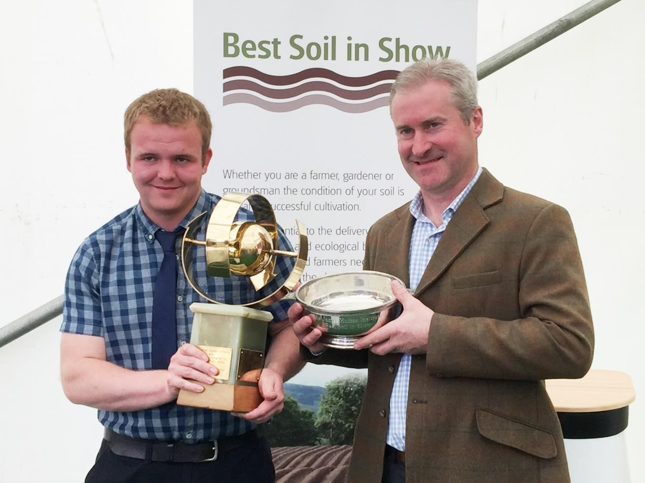 Winners of Best Soil in Show 2018: young farmer Douglas Greig (l), of Tealing by Dundee, and John Weir (r), of Lacesston Farm near Cupar